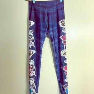 👖Vibrant Ripped Jeans Girls L Leggings👖